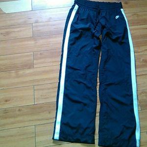 Nike athletic pants#pockets